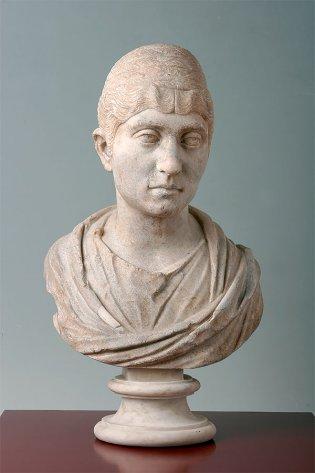 Anónimo, Busto de mujer, 150