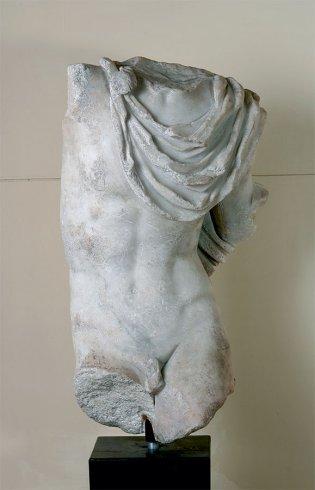 Anónimo, Torso masculino con mant